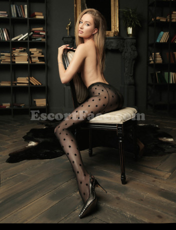 Photo escort girl Liza VIP: the best escort service